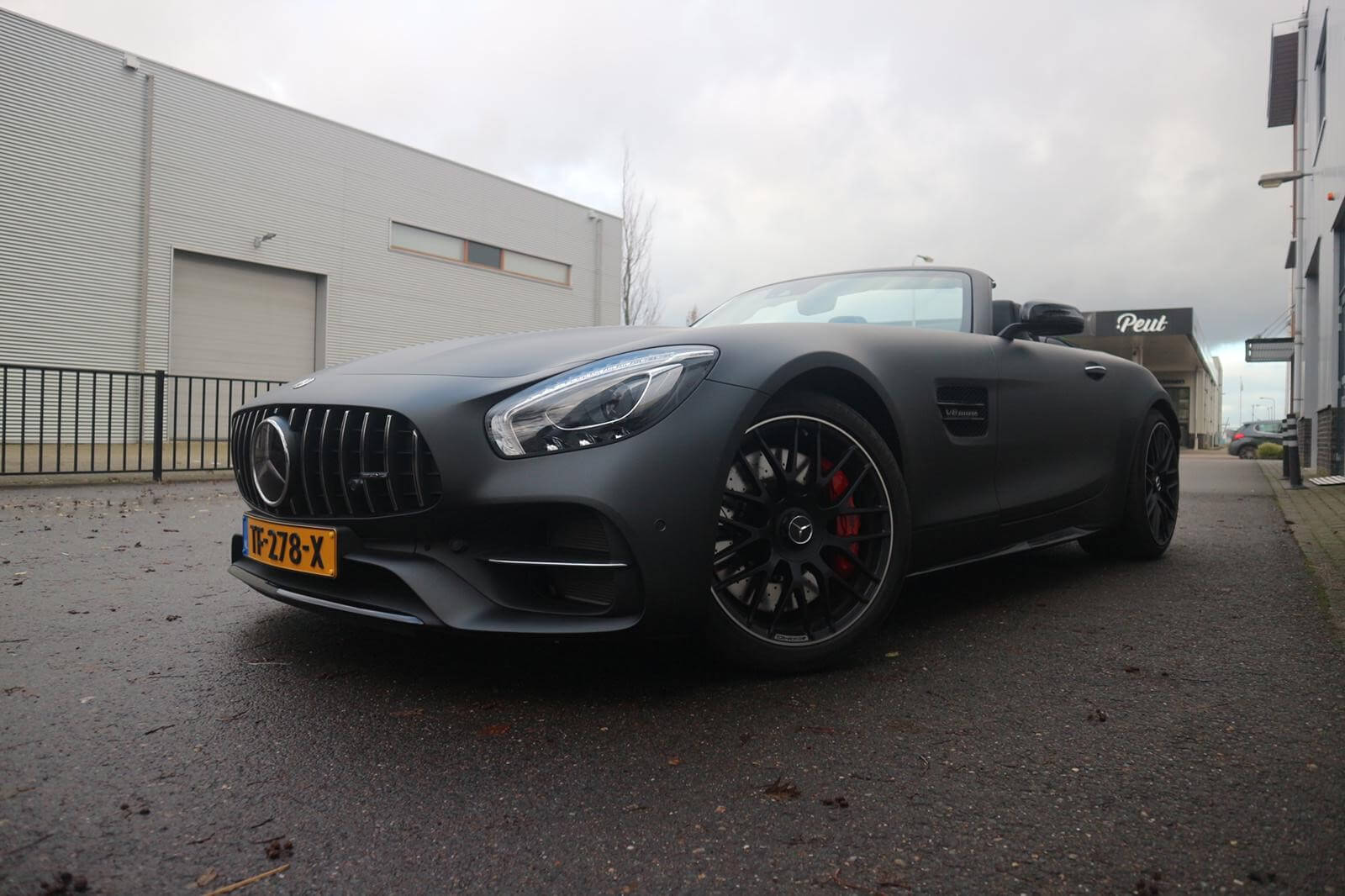 Carwrapping Mercedes AMG GT C Roadster in matzwart